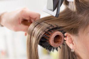 Como o melanoma pode surgir no couro cabeludo