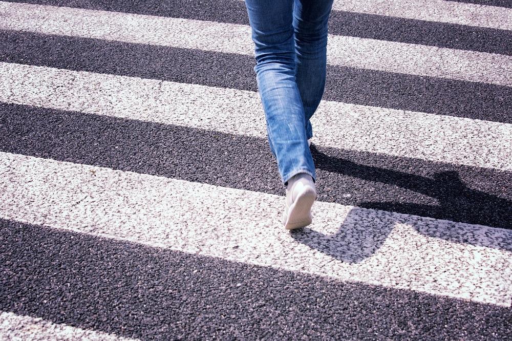 Estou tratando um melanoma e preciso sair na rua, como fazer isso com segurança?